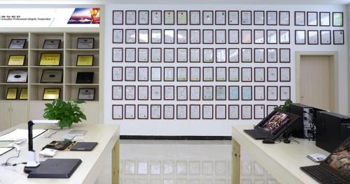 央视财经采访绘王董事长:探寻绘画平板持续火热的奥秘