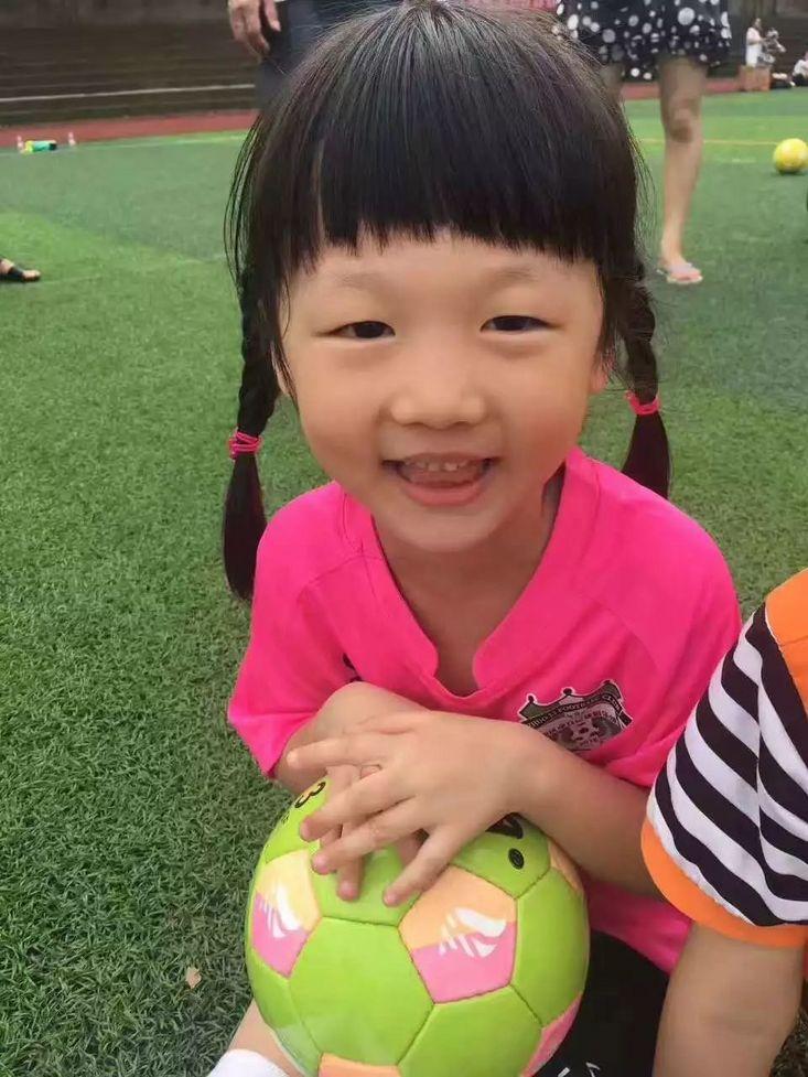 王军:应把校园足球文化放在首位