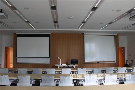 厦门日学上海一大学教室白板解决方案