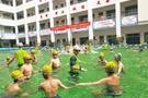 操场变泳池!海口城区学校移动泳池投入使用
