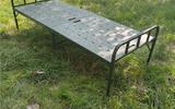 便携式两折床  钢塑折叠床  野营户外临时床  救灾安置床