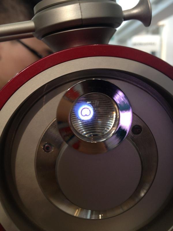 大震膜多指向性电容话筒